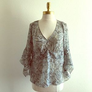 The limited v-neck sheer blouson sleeve size L